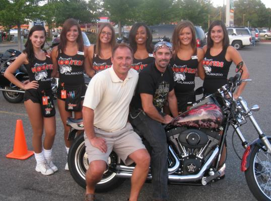 Wrapped Bobs H-D Hooters First